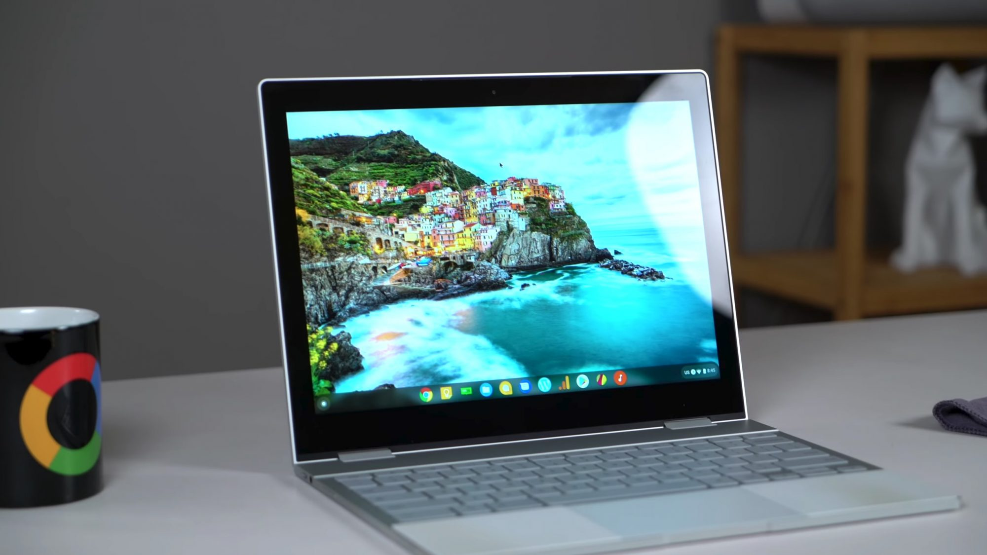 Get this Certified Refurbished Pixelbook for only $599 before they're gone
