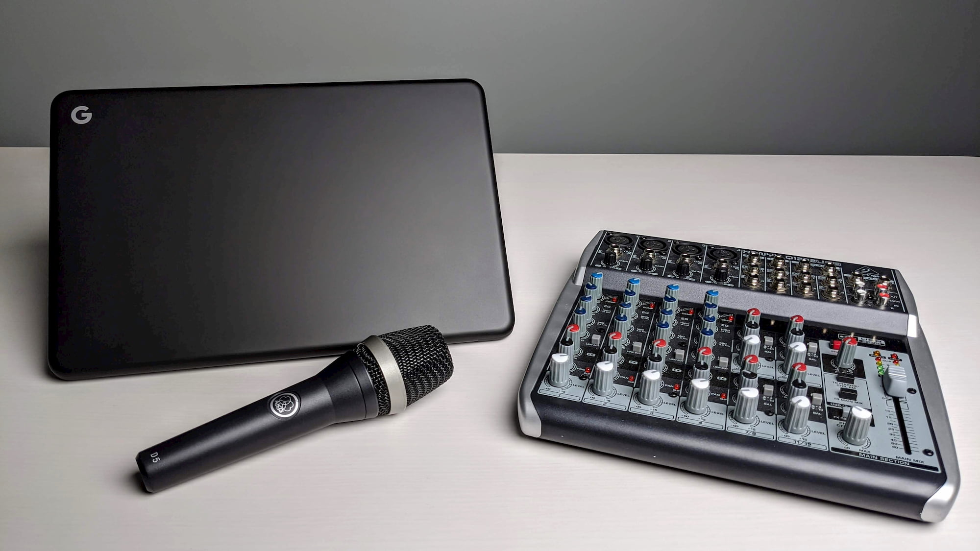 Microphone support finally comes to Linux on Chromebooks