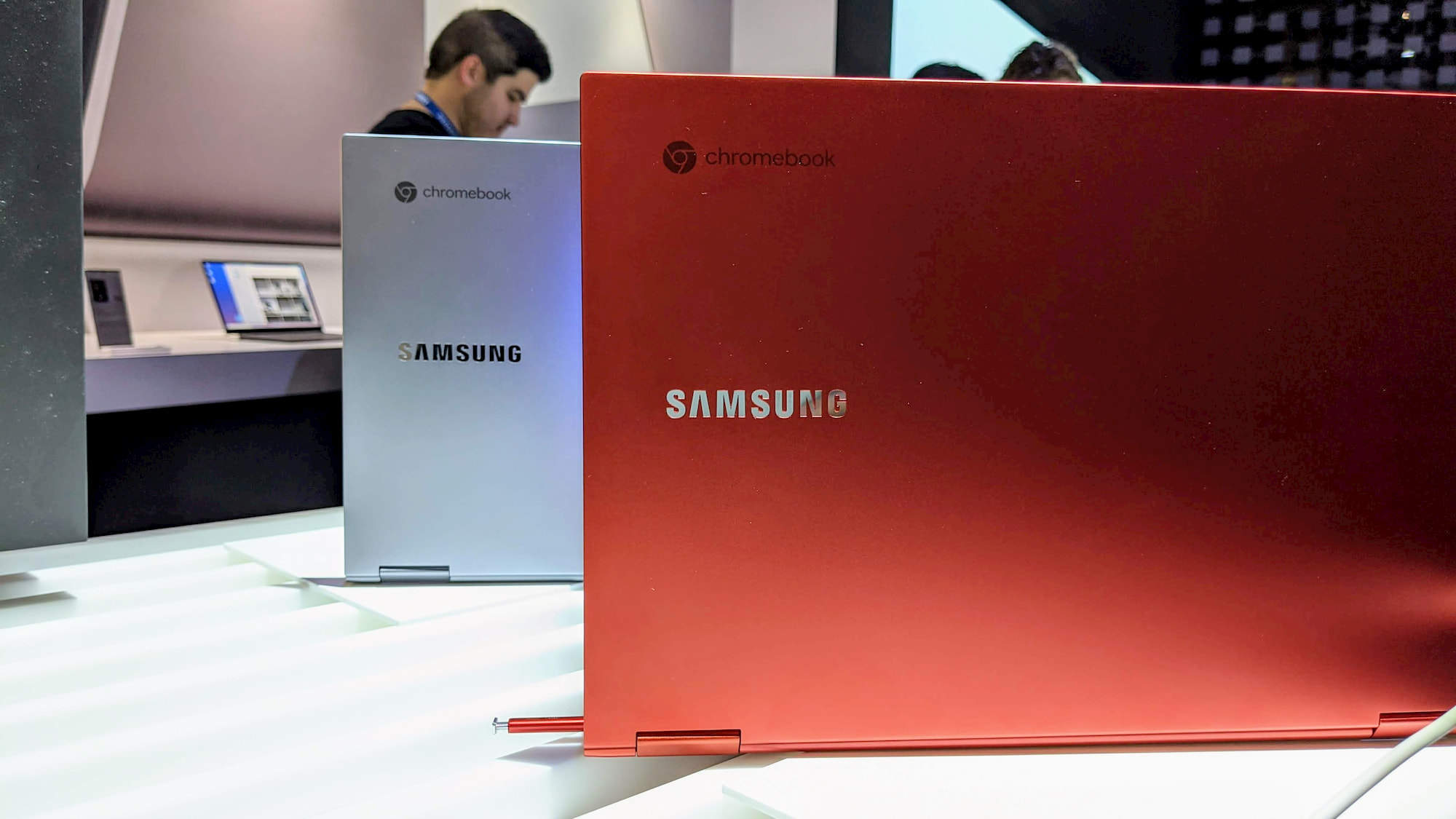 [Update] At long last, you can finally purchase the Samsung Galaxy Chromebook