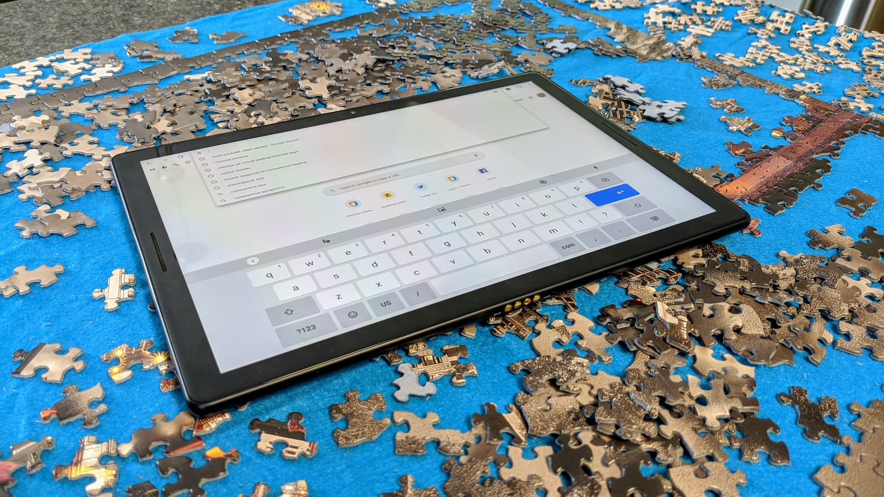 Chrome OS virtual keyboard gets a useful new feature and a new optional look