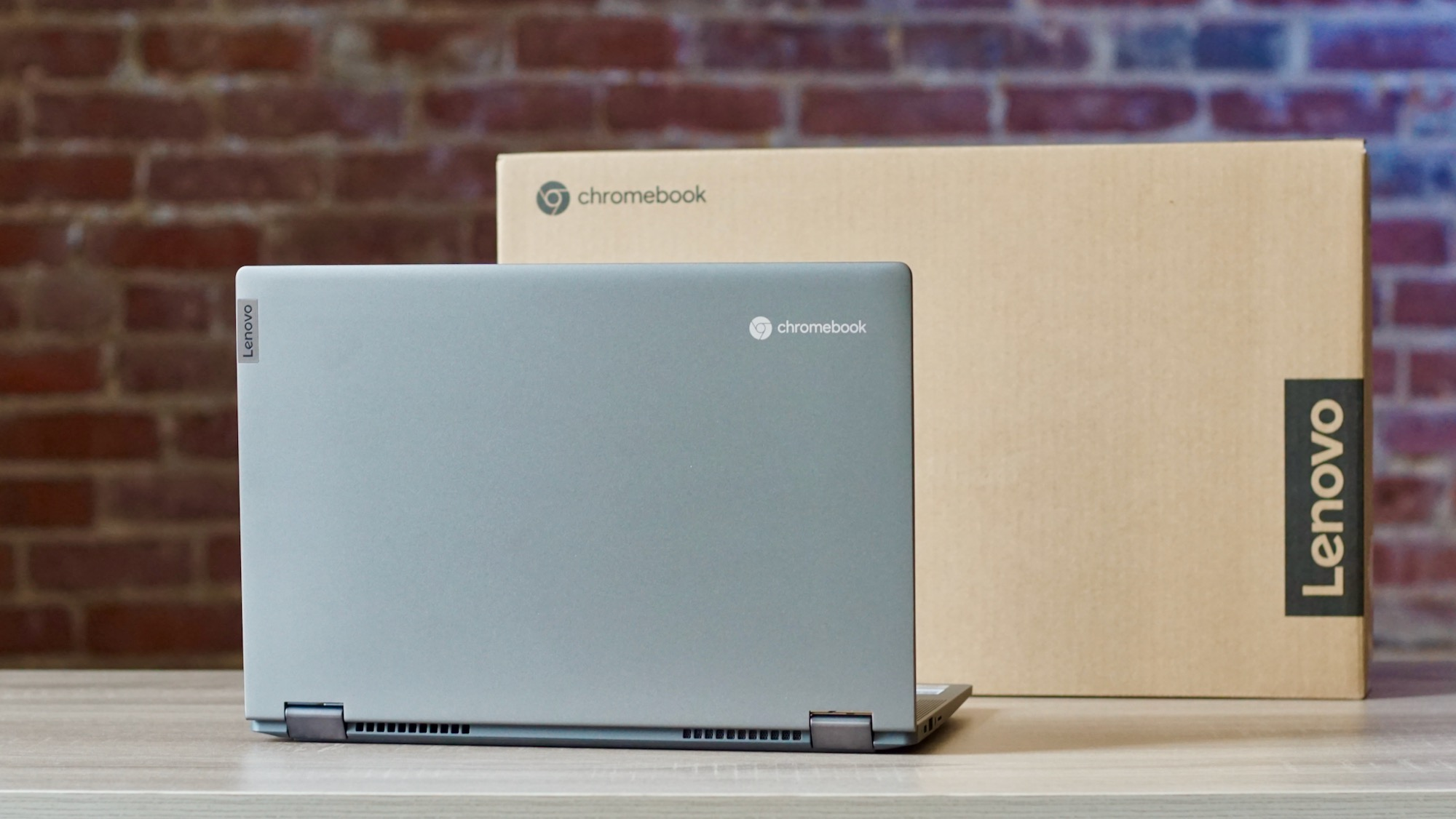 Lenovo Flex 5 Chromebook unboxing and initial impressions